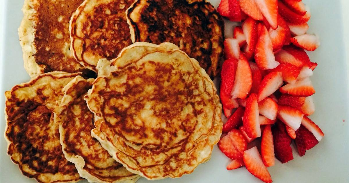 Apple Pancakes With Strawberries From Smitten Kitchen Recipe By Assya Cookpad