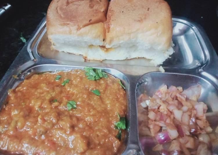 Easiest Way to Prepare Perfect Pav Bhaji