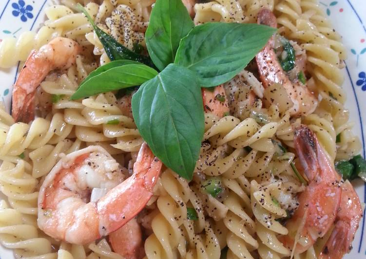 Jari's shrimp marinated beer pasta