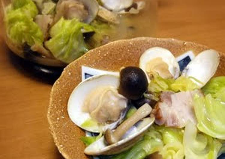 Recipe of Ultimate Sake Steamed Surf Clams with Cabbage Made in the Microwave