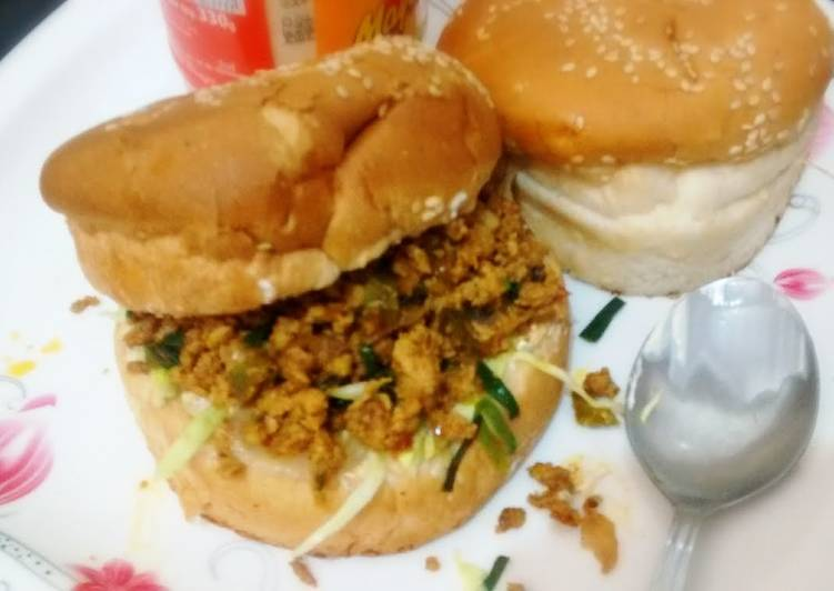 Cheap&tasty leftover chicken Burgers!