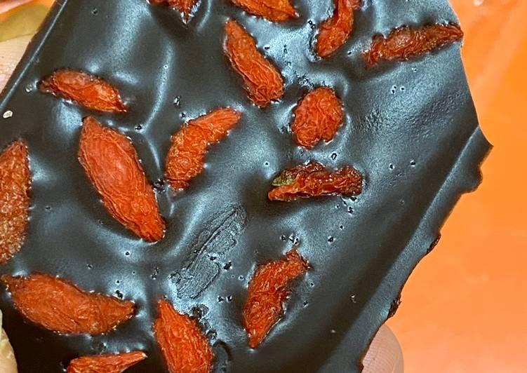 How to Prepare Quick Goji Berries Chocolate