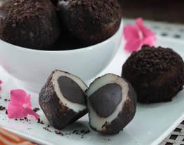 Mochi Cokelat Ganache Balut Biskuit Cokelat