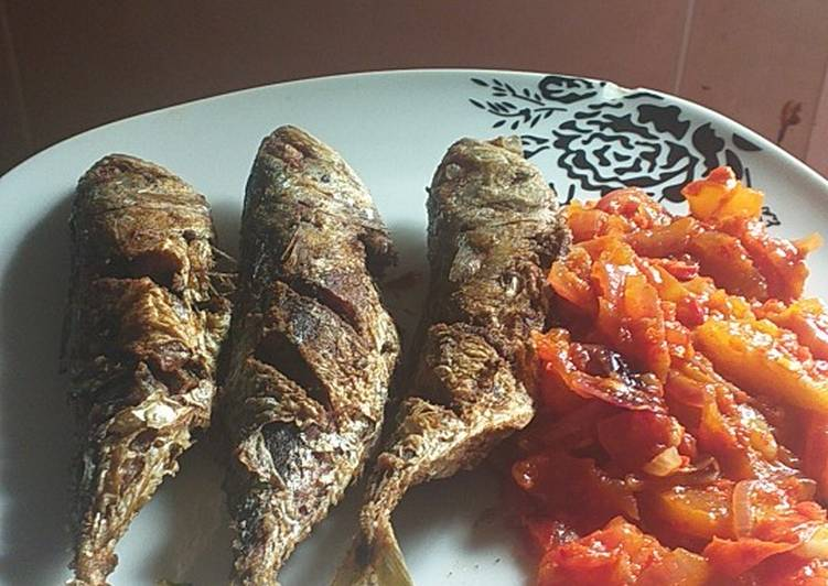 Ikan kembung Goreng Bumbu Ketumbar Sambel tomat