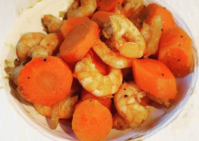 Poêlée carottes crevettes