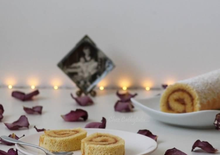 Biscuit roulé sans gluten ni graisses ajoutées fourré à la confiture d'agrumes
