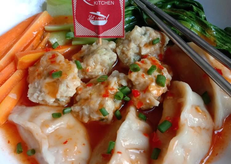 322. Dumpling Dan Bakso Ayam Jamur