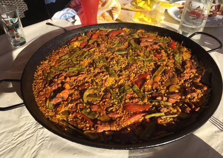 Paella verduras y carne