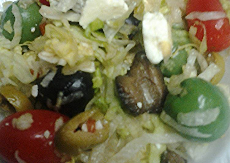 Lettuce olive and tomato salad
