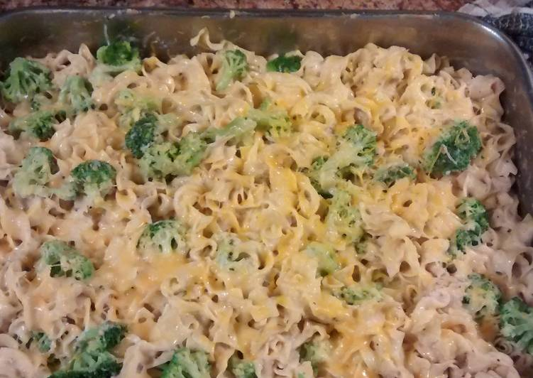 Tuna casserole, with broccoli