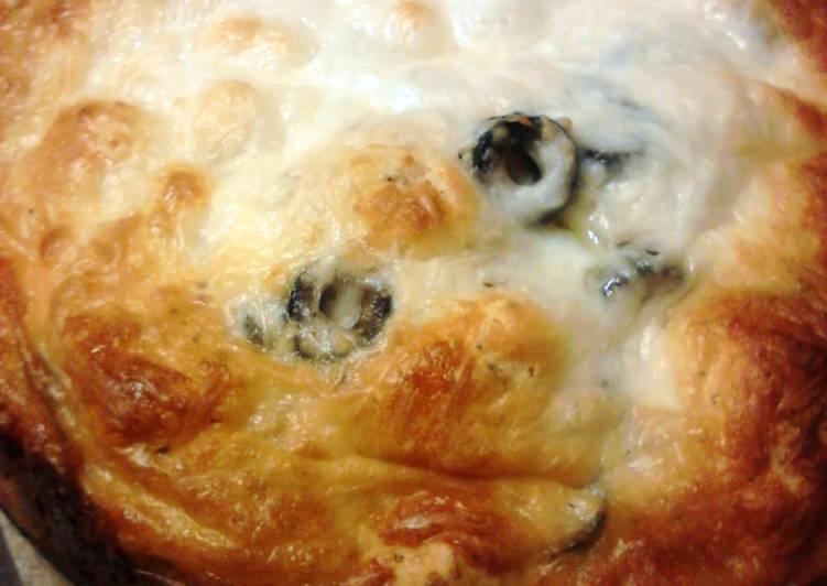 Olive & Garlic Pull Apart Bread