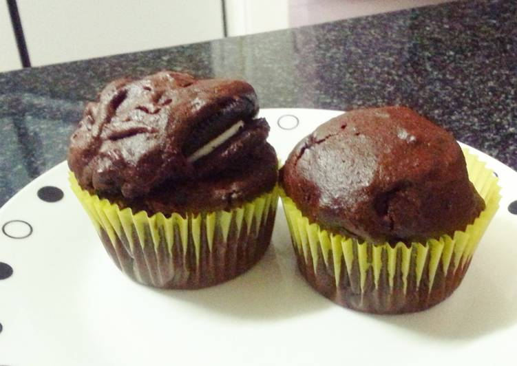 Oreo and nutella stuffed cupcakes