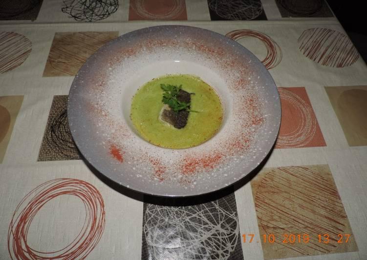 Bacalao con sopa espumosa de acelgas