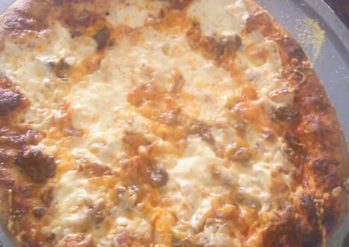 Bacon cheese burger pizza!