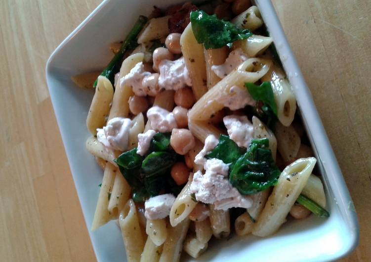 Goat cheese and basil penne