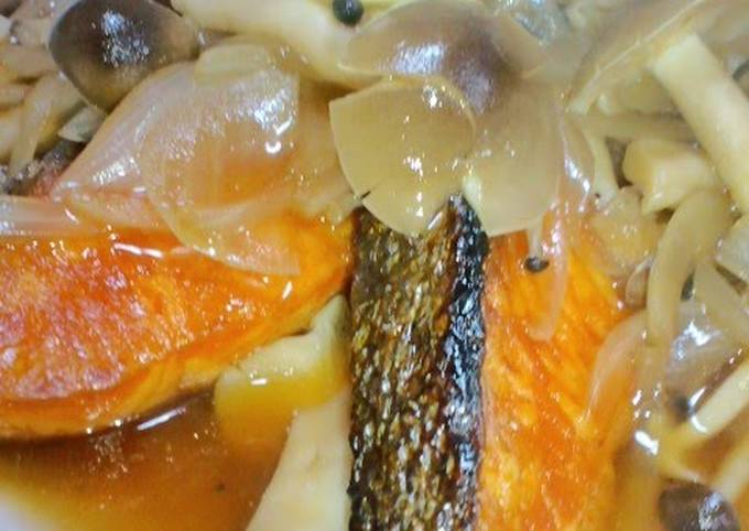 Easy Sautéed Salmon and Mushroom with Butter and Soy Sauce