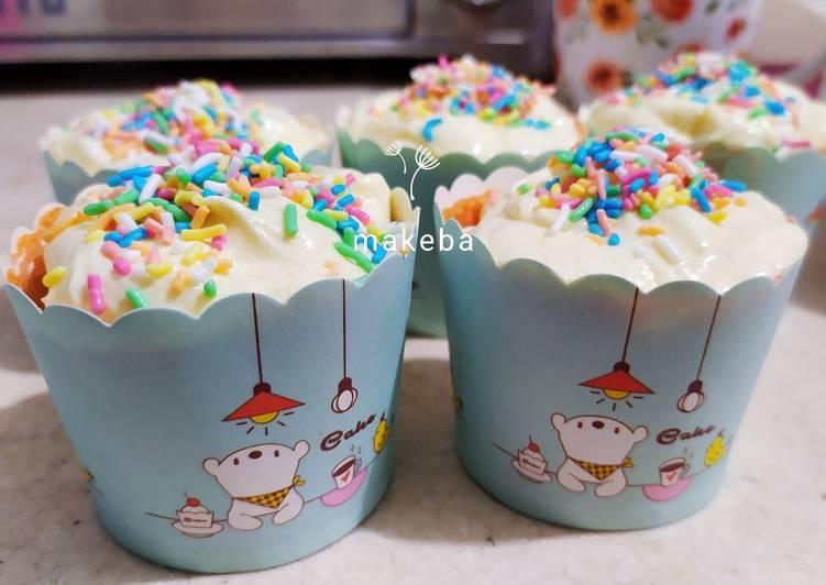 vanilla-cupcake-stay-moist-sampai-4-hari