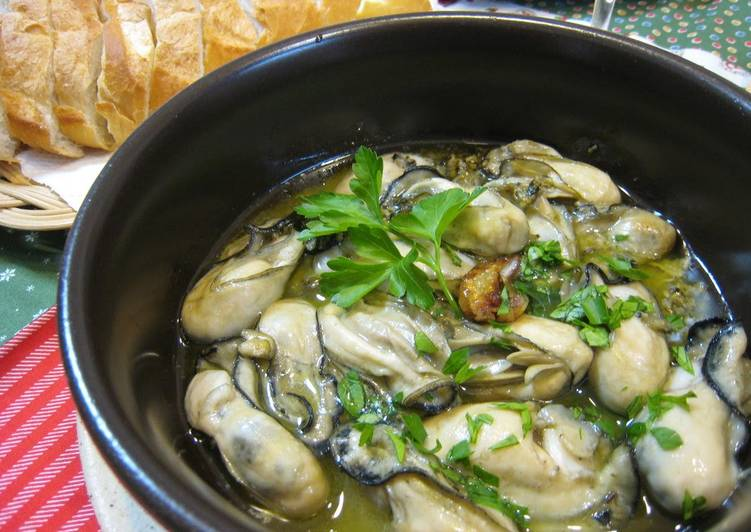 Simple Oyster Ajillo (Simmered in Oil)