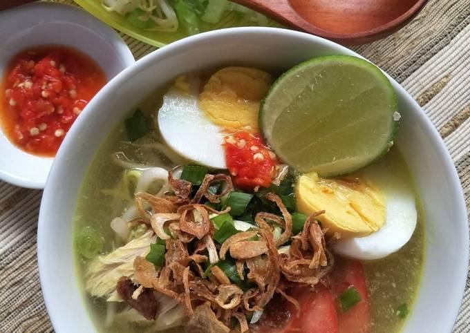 Indonesian Yellow Chicken Soup (Soto Ayam)