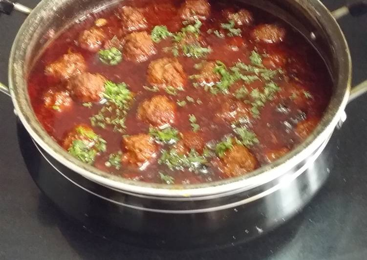 Mutton mince kofta curry