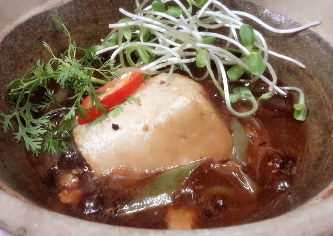 Kanya's Tofu and Leeks in Clay Pot