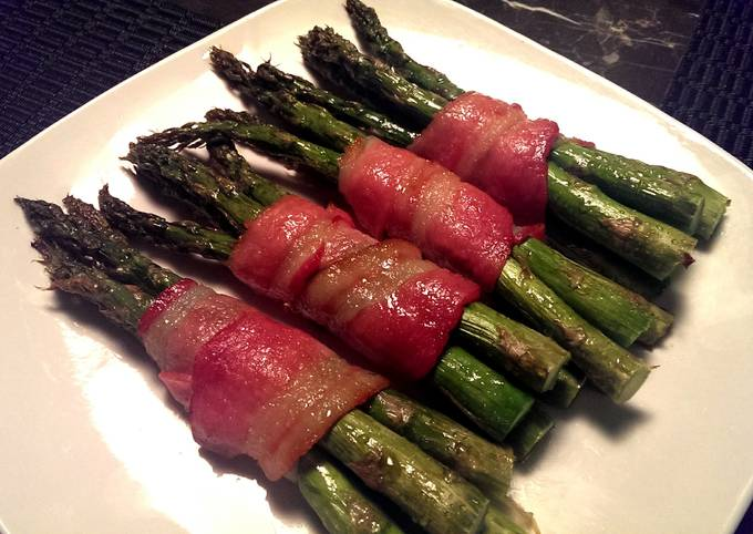 How to Prepare Quick Bacon wrapped Asparagus