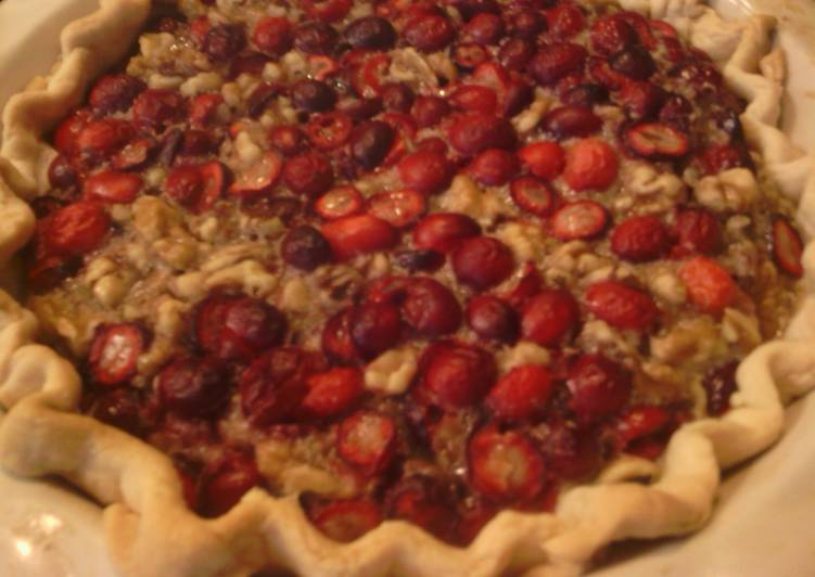 maple-walnut cranberry pie