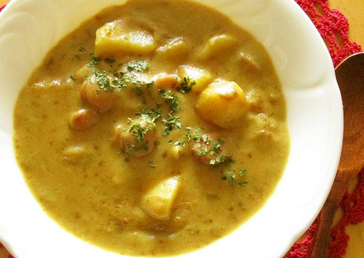 Recipe of Super Quick Homemade Potato and Wiener Sausage Curry Soup