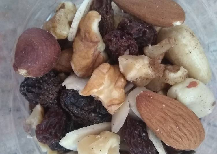 How to Make Homemade Mixed nuts - a great snack