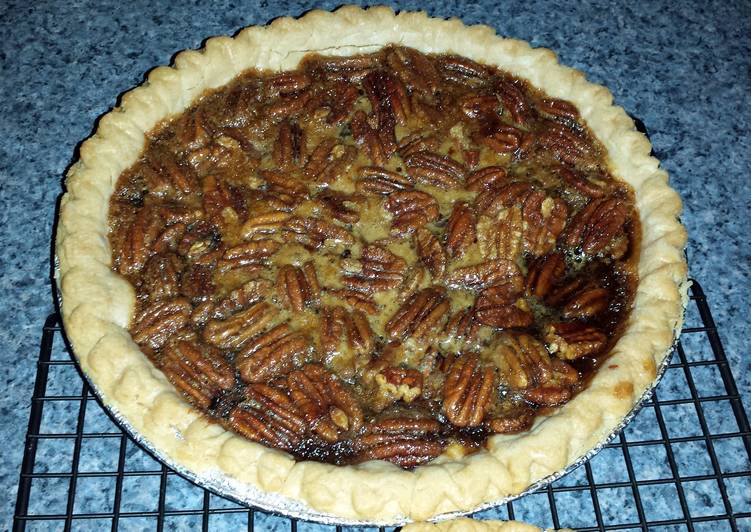 Simple Way to Prepare Homemade Pecan Pie with Brown Sugar