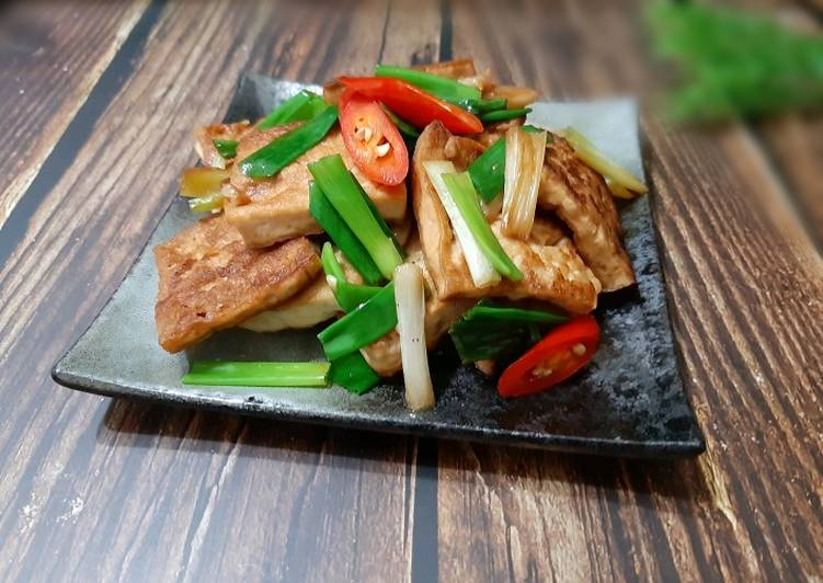Braised Tofu with Green Onion