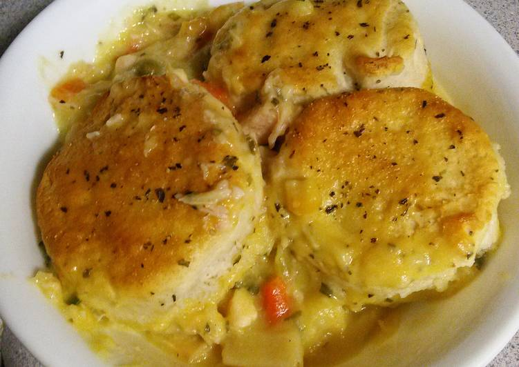 Sarah's Kickin Chicken and biscuit casserole