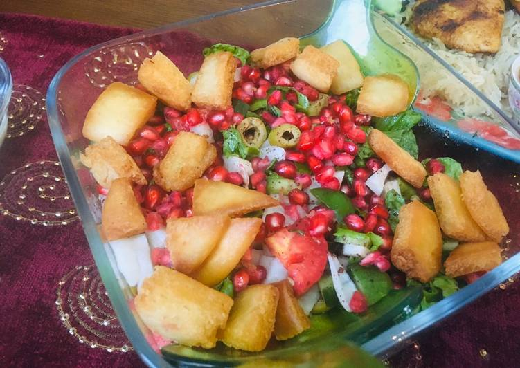 15 Minute Easiest Way to Make Quick Fatoush Salad