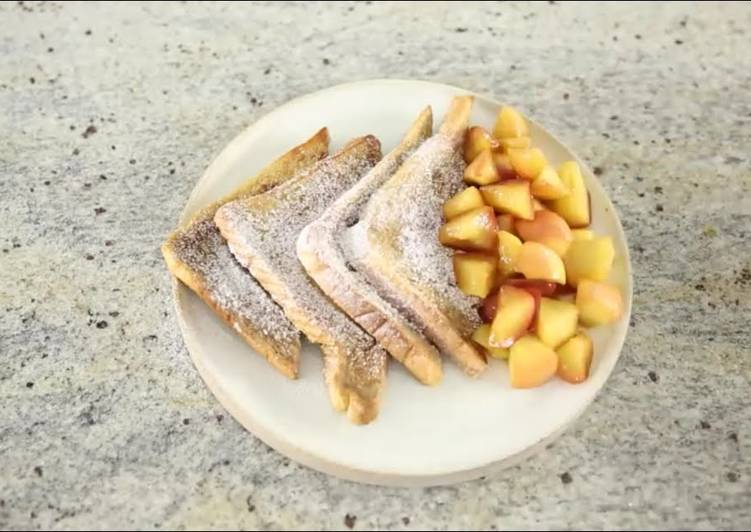 French Toast With Cooked Apple