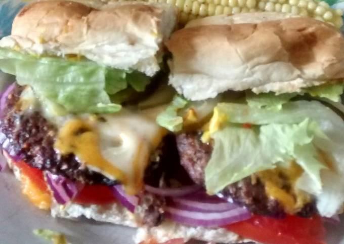 Backyard Classic Burger