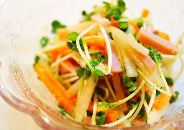 Recipe of Quick Colorful Daikon Radish and Carrot Salad with Sesame