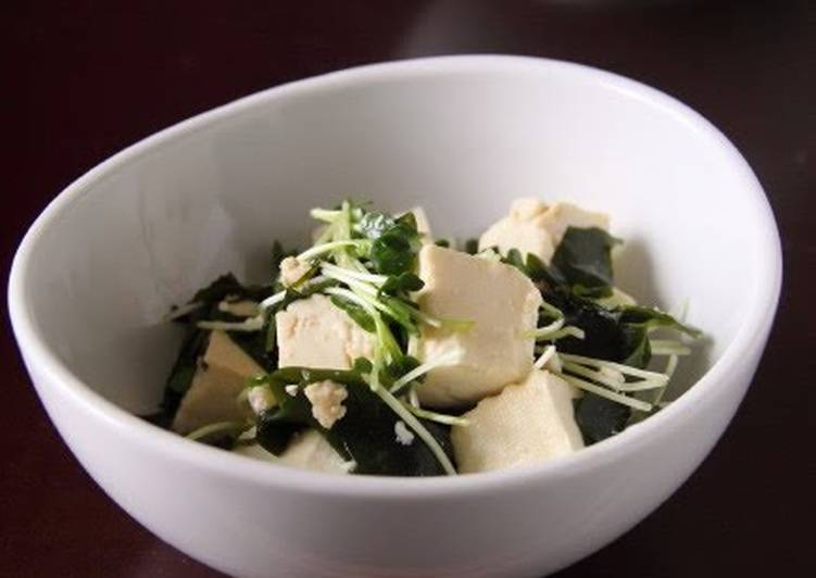 Step-by-Step Guide to Make Perfect Easy Tofu and Wakame Seaweed Salad