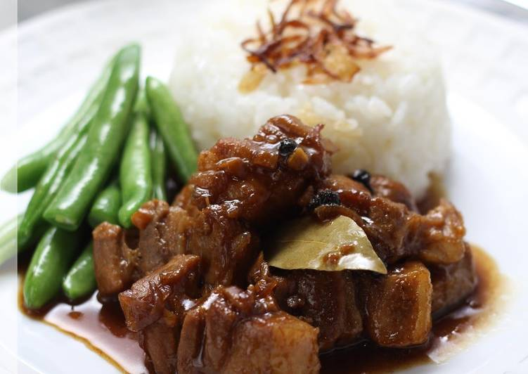 Taste of the Philippines: Pork Belly Adobo
