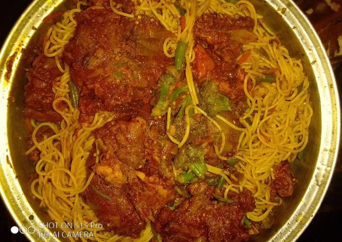 Cinnamon chicken with veggie pasta