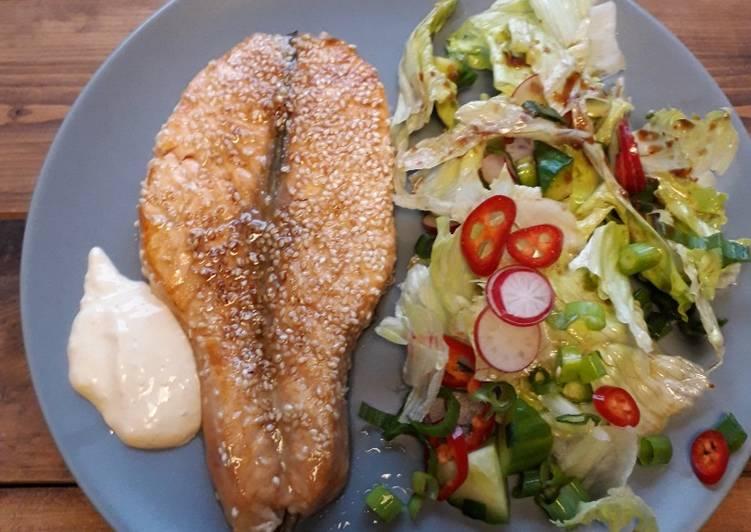 Salmon wijen dan ponzu mayones sauce