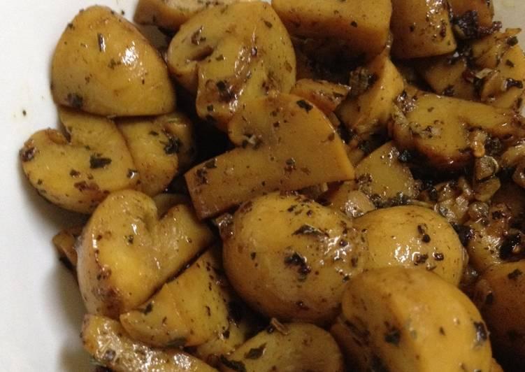 Basil Mushroom Stirfry - quick & easy side dish