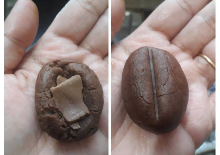 Chocolate coffee bean cookie