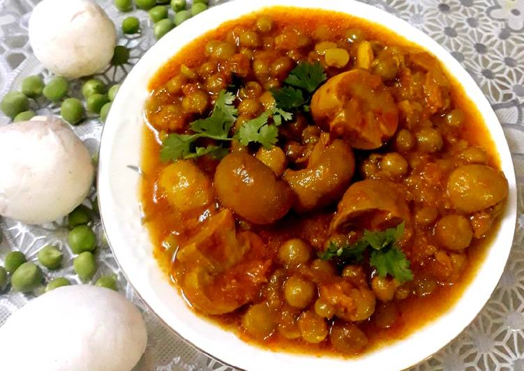 Peas & Mushroom Gravy