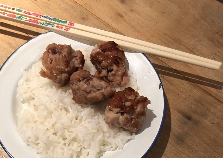 Nem Huong (boulettes de porc vietnamiennes grillées)