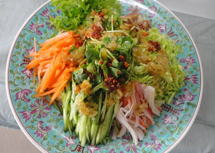 How to Prepare Quick Somen Noodles with Lots of Vegetables and Leek Sauce