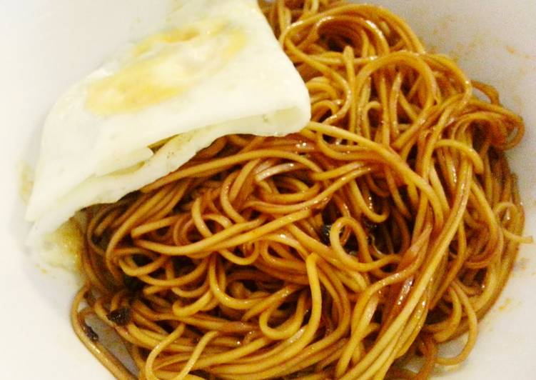 Steps to Make Favorite Sweet and spicy egg noodle