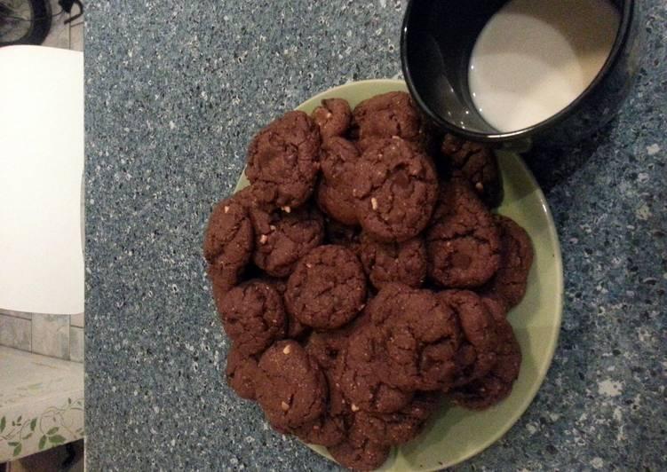 Vegan Peanut Butter & Chocolate Chocolate Chip Cookies ^_^