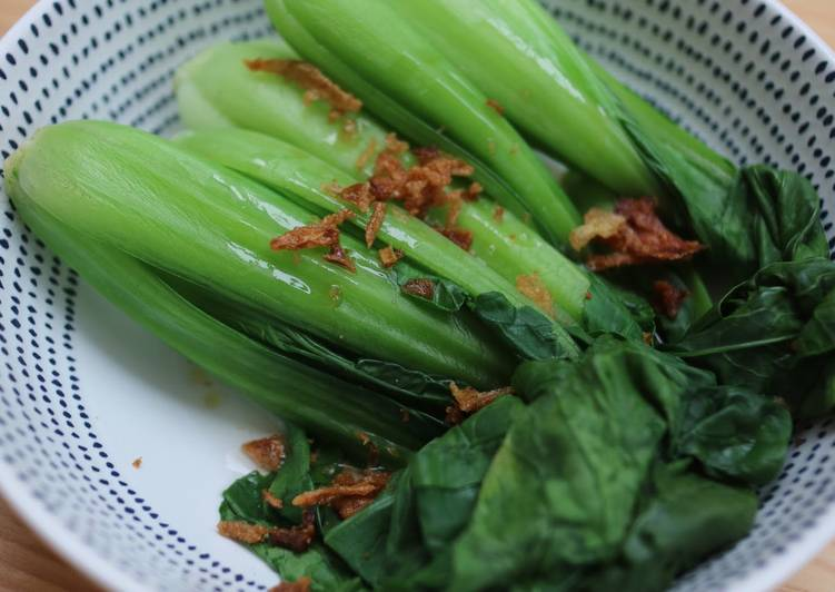 How to Make Homemade Bak Choi With Sesame Oil