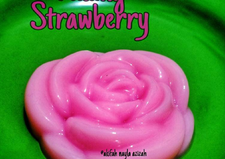 Puding strawberry