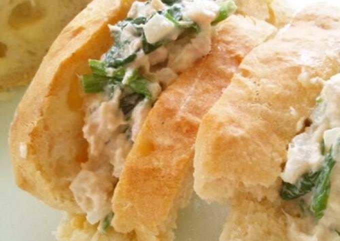 Onion, Tuna & Spinach Sandwiches